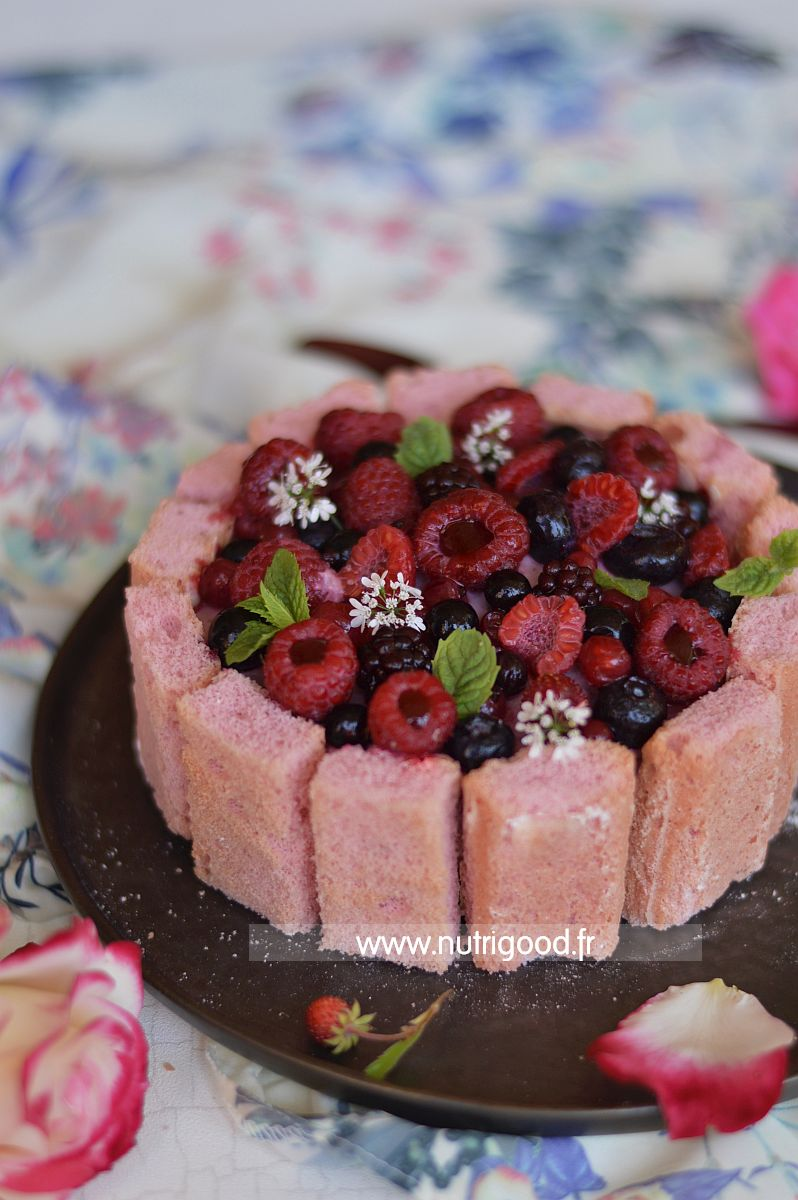 charlotte_fruits_rouges_fraises_framboises