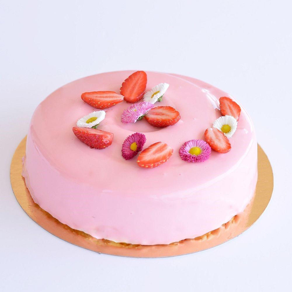 """""""Freezia"""" – entremets fraise-vanille, glaçage"""