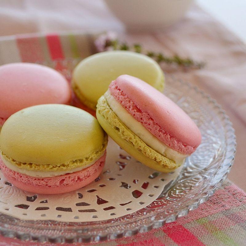 Macarons sucrés fraise et citrons