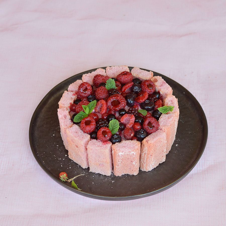 Charlotte aux fraises/fruits rouges (enfants-ados)