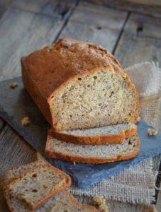 banana bread ou cake à la banane sans oeufs patisserie pour les allergiques