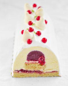 Atelier pâtisserie Buche de Noël vanille framboise groseille meringue